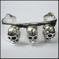 3 Skull Bangle